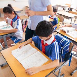 如何有效处理学生间产生的冲突问题
